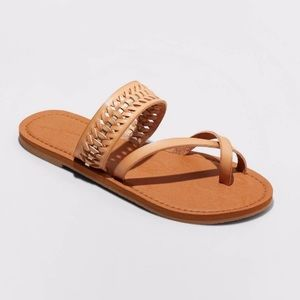 Tan Universal Thread Woven Toe Ring Sandals, NWT